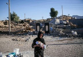 زلزله کرمانشاه و نقش افراد غیر مسئول