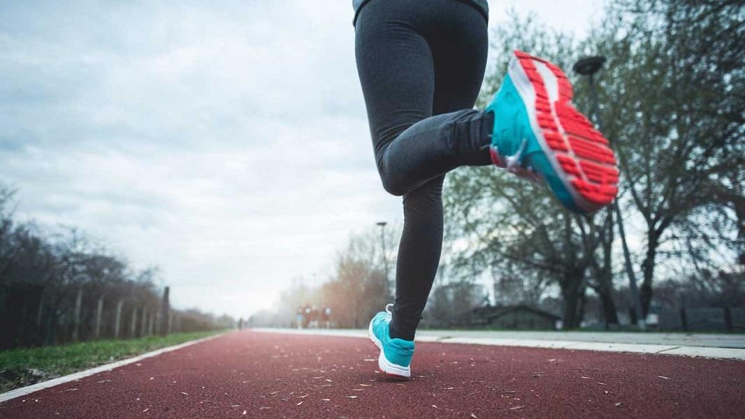 پیاده روی روزانه و کفش متناسب با آن